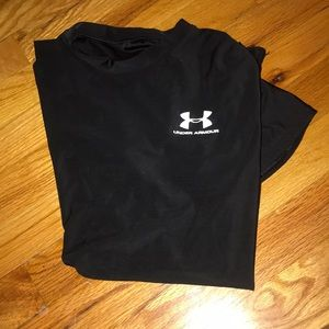 Black under armor work out shirt